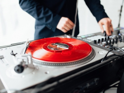 How To Choose The Best DJ